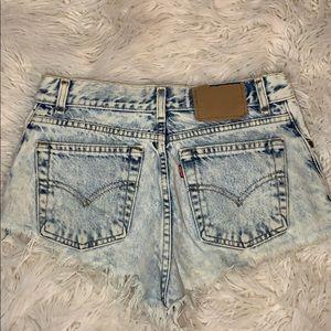 LEVI'S  distressed shorts size XS